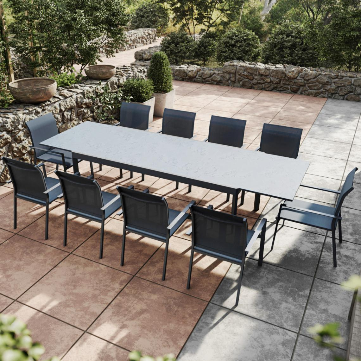 Avril Paris Table de jardin extensible aluminium anthracite 200/300cm + 10 fauteuils empilables textilène - ARONA