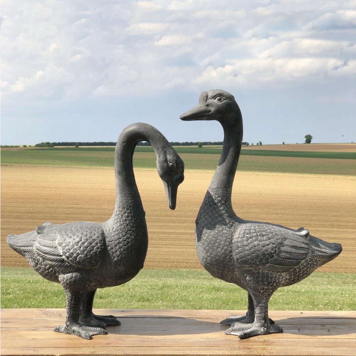 Chemin De Campagne Couple d'Oie Jars Oiseaux Décoration de Jardin extérieur Fonte Gris 49 cm x 35 cm