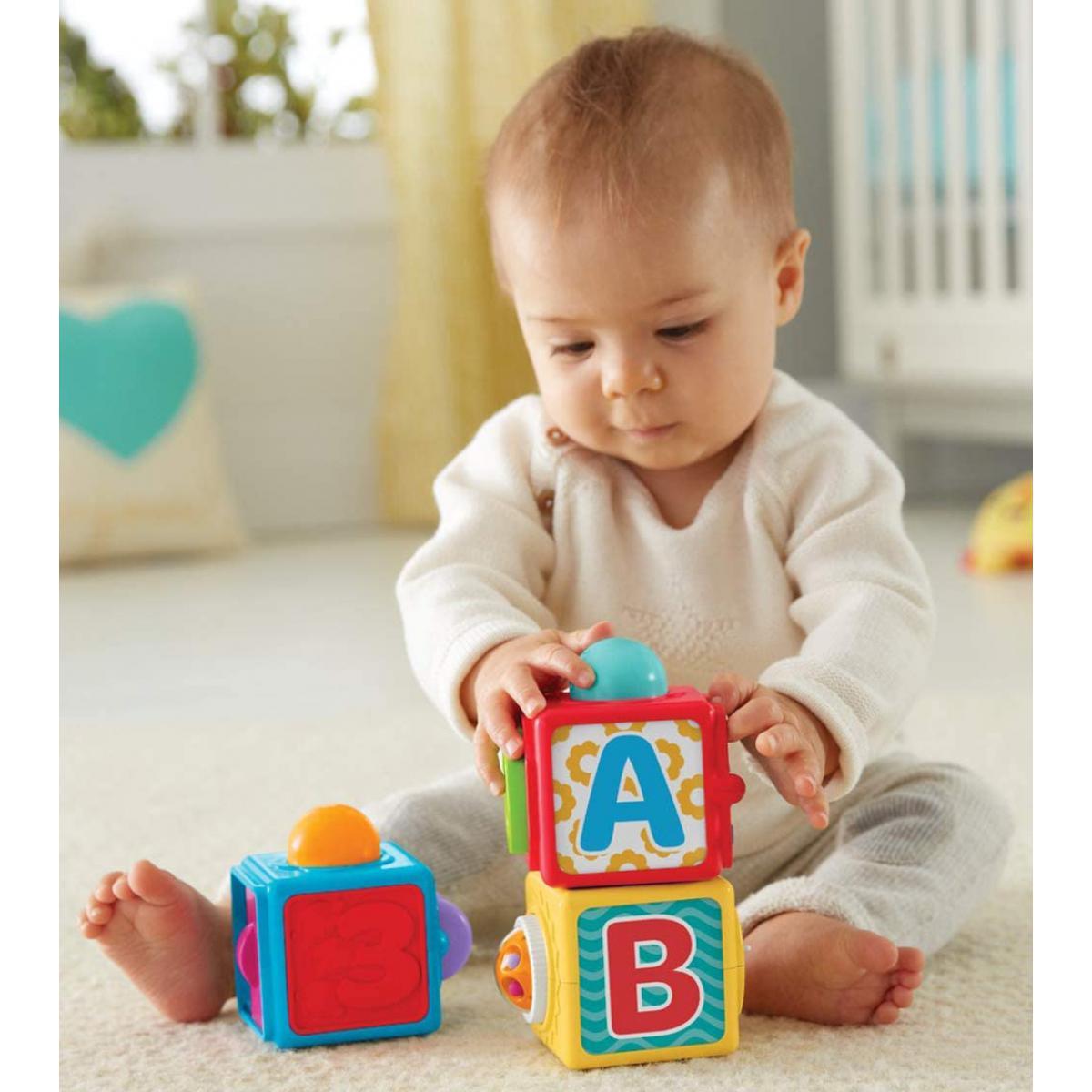 Fisher Price 3 cubes colorés à empiler pour bébé 6 mois et plus