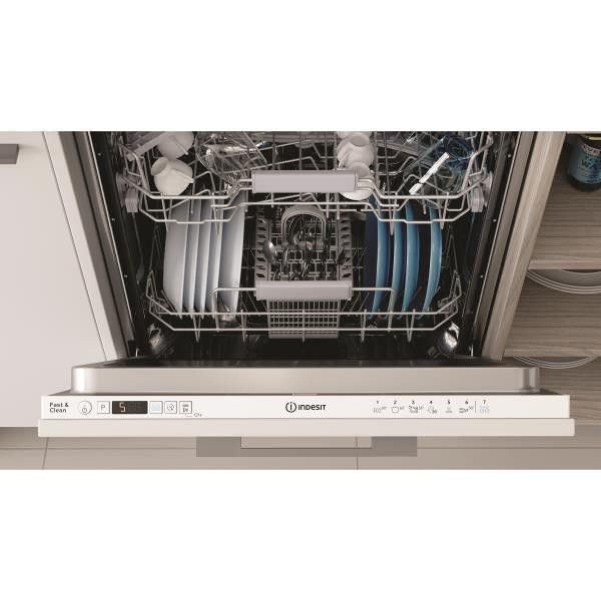 Indesit Lave-vaisselle encastrable INDESIT 13 Couverts 59.8cm A+, DIC3B+16A