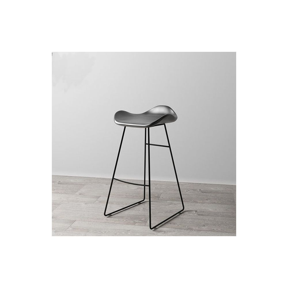 Wewoo Nordic Design Tapis de cuir PU rembourré Tabouret de comptoir de chambre avec base en métal noir