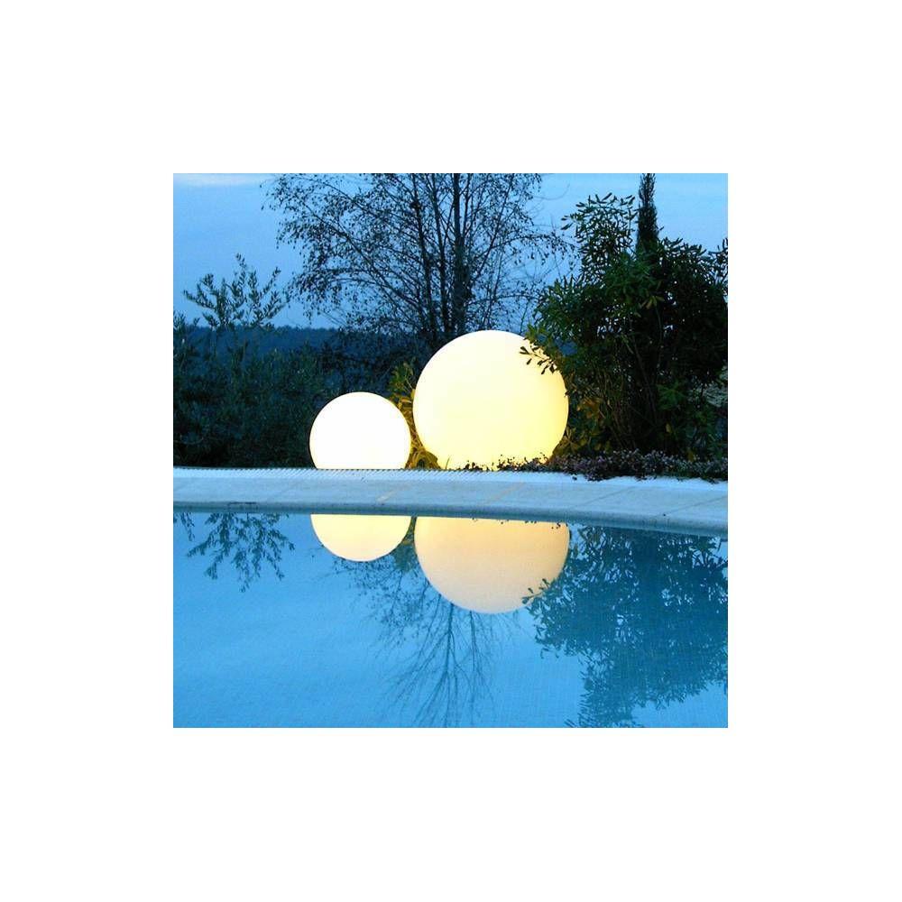 Slide GLOBO OUT - Lampe d'extérieur Blanc Ø40cm - Luminaire d'extérieur Slide designé par