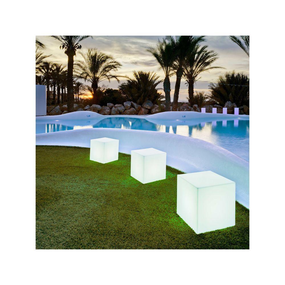 New Garden Cube lumineux en polyéthylène blanc Cuby