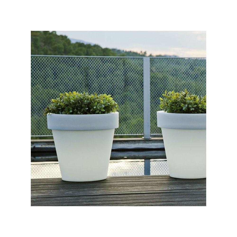 New Garden MAGNOLIA-Pot lumineux LED d'extérieur RGB solaire rechargeable H43cm Blanc New Garden