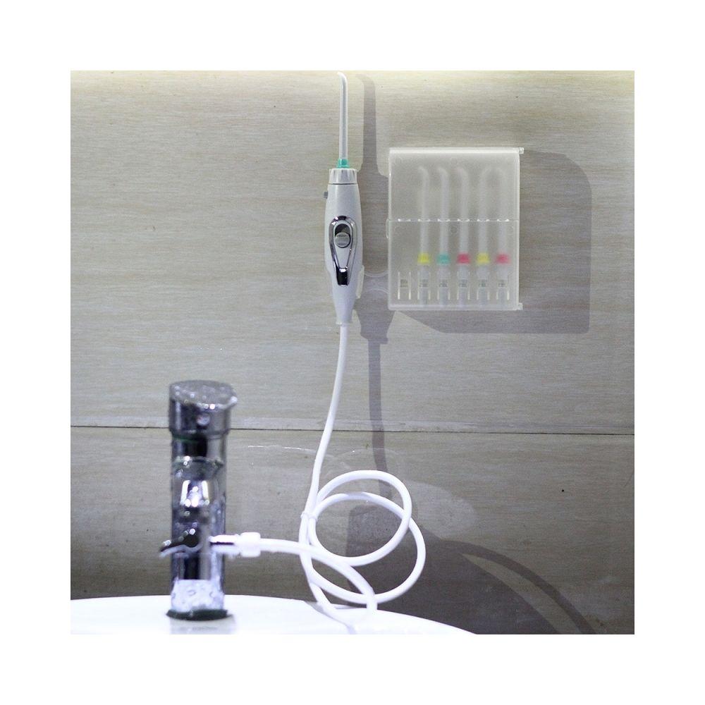 Wewoo La brosse à dents orale d'Irrigator de robinet oral Flosser implémente le nettoyant de de jet d'eau de soin