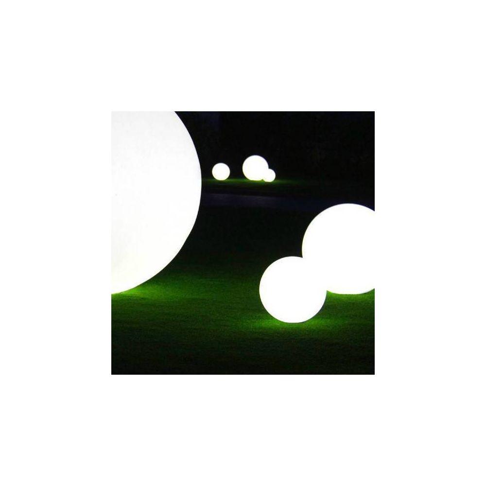 Slide GLOBO OUT - Lampe d'extérieur Blanc Ø30cm - Luminaire d'extérieur Slide designé par